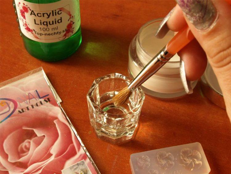 Miešame liquid a akrylový púder